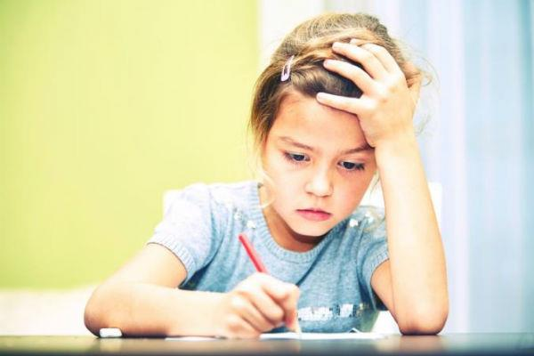 बच्चों के दिमाग के विकास को नुकसान पहुंचाती है गरीबी
