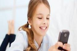 मोबाइल कर रहा है बच्चे की याददाश्त कमजोर!
