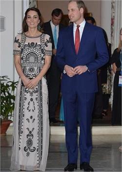 ब्रिटेन की रानी दूसरे दिन भी दिखी बेहद खूबसूरत (PICS)
