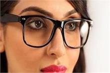 आंखों पर लगा चश्मा हटाना है तो डाइट में करें ये बदलाव