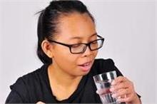 खाने के तुरंत बाद पानी पीने के नुकसान ही नुकसान