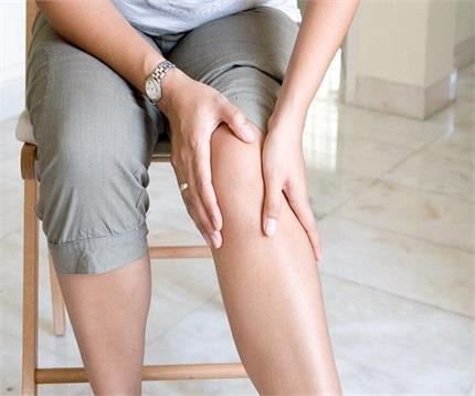 इन 4 चीजों का करें इस्तेमाल, जोड़ों का दर्द होगा छूंमतर