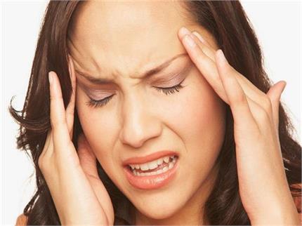 सिर दर्द में न खाएं दवाई, लगाएं यह Homemade Balm