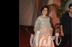 Wedding Reception:  सहेली की शादी में पहुंची कंगना