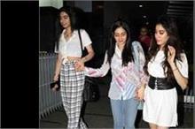 मॉम के साथ कैजुअल लुक में नजर आईं Kapoor Sisters