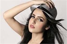 इलाहाबाद पहुंची मिस इंडिया यूनाइटेड नेशंस 2017 की सुखप्रीत...