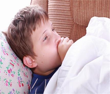निमोनिया के लक्षण दिखने पर करें ये घरेलू उपचार