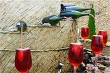 इस फाउंटेन में हर समय निकलती है शराब, फ्री में पीते हैं लोग