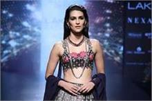 LFW 2017: ग्रेंड फिनाले में Kriti Sanon भी नहीं दिखी किसी...