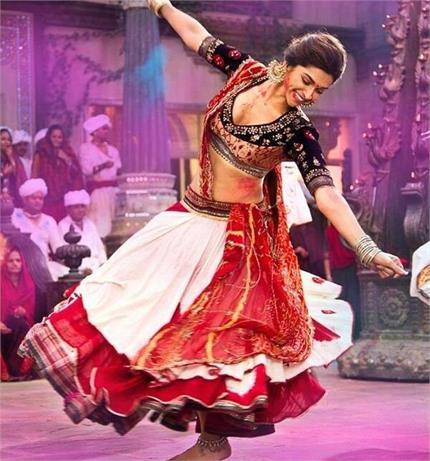 नवरात्रि स्पैशल: गरबा और डांडिया से दुर्गा मां को करें खुश