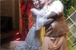 Sangeet Ceremony: युविका ने पहना आइवरी व्हाइट लहंगा, कई टीवी स्टार्स हुए शामिल