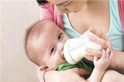 पेट में गड़बड़ी ही नहीं, इन 5 कारणों से भी शिशु नहीं पीता दूध