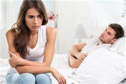 पति-पत्नी में लड़ाई का कारण बनती हैं घर में लगी ये तस्वीरें! - Nari