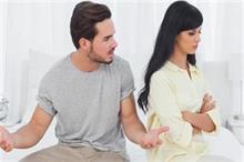 कहीं पैसा ही तो नहीं आपके टूटते रिश्ते की वजह, जान लें ये 5...