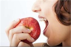 डायबिटीक व दिल के रोगी को नहीं खाना चाहिए सेब