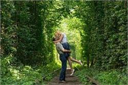 हनीमून के लिए बेस्ट डेस्टिनेशन है 'Tunnel of Love'