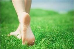 नवरात्र में नंगे पैर चलने से दूर हो जाएंगी ये परेशानियां