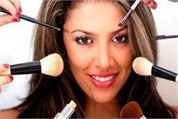 Makeup Tips: बिना पार्लर जाए घर पर कैसे करें कम्पलीट मेकअप