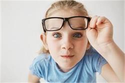 बच्चे की कमजोर Eyesight को ठीक करेंगे ये देसी नुस्खे