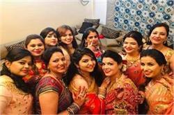 महिलाओं ने 'नारी' संग मनाया करवा चौथ