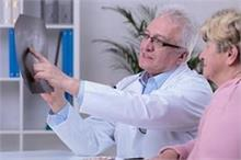 बुढ़ापे में नहीं होंगे Osteoporosis का शिकार अगर जवानी में...