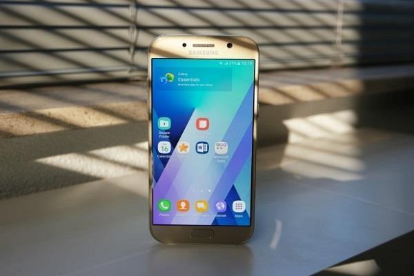 इन दो स्मार्टफोन्स के लिए Samsung ने रिलीज किया सिक्योरिटी पैच