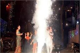 अस्थमा, कैंसर और हार्ट अटैक का कारण बनता है पटाखों का धुआं, यूं रखें बचाव