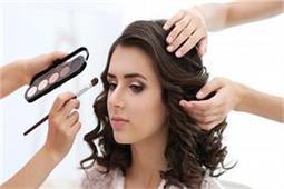 आपके वेडिंग लुक को बिगाड़ सकती है ये Makeup Mistakes
