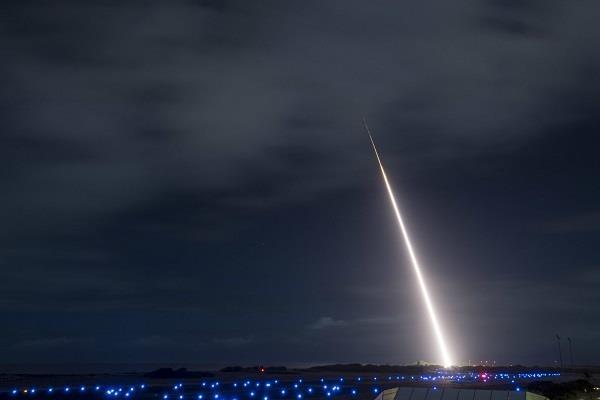 मध्यम दूरी की बैलिस्टिक मिसाइल को तबाह कर देगा अमरीका का नया इंटरसेप्टर सिस्टम