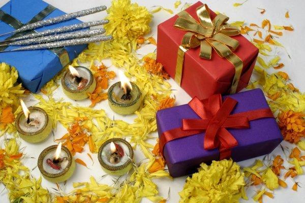 Diwali 2018: इस दिवाली अपनों को गिफ्ट करें ये खास गैजेट्स