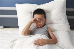 एग्जाम में 8 घंटे की नींद जरूरी, बच्चा देगा बढ़िया Performance
