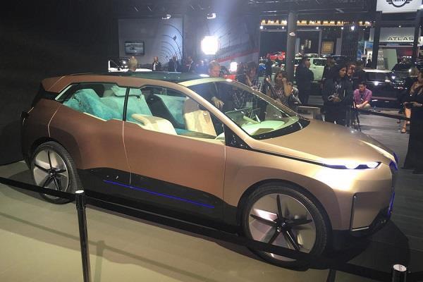 LA Auto Show 2018: BMW ने दिखाई भविष्य की इलैक्ट्रिक कार, एक चार्ज में तय करेगी 611Km का सफर