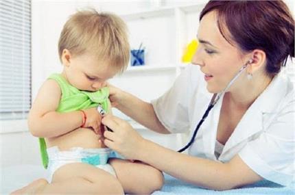 एक साल के बच्चे को न खिलाएं नमक व चीनी, जानें इसके नुकसान