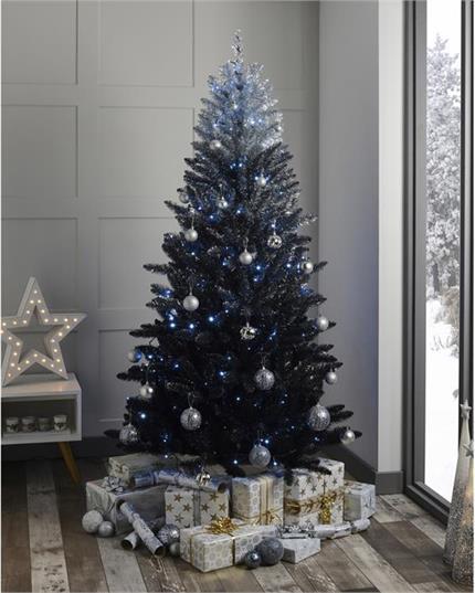 Latest Trend: ओम्ब्रे क्रिसमस ट्री से सजाएं घर