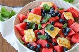 ब्रेकफास्ट में बनाकर खाएं टेस्टी एंड हेल्दी Mojito Fruit Salad