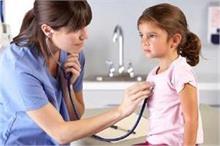विटामिन डी की कमी से बच्चे को हो रही हैं गंभीर बीमारियां,...