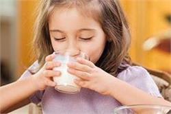 बच्चे के लिए क्यों बेस्ट है गाय का दूध?जानिए फायदे