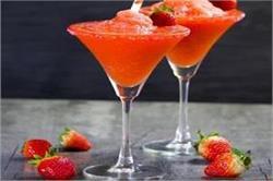 ऐसे बनाएं हैल्दी Strawberry Margarita