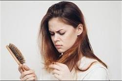 झड़ते बालों से पाना है छुटकारा तो इस्तेमाल करें अदरक
