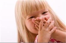 तो इन कारणों से ब्रश करने पर भी आती है बच्चों के मुंह से...