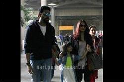 पति और बेटी के साथ एयरपोर्ट पर स्पॉट हुई Aishwarya