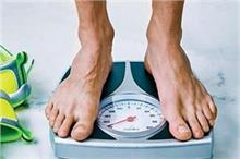 उम्र के हिसाब से जानें कितना होना चाहिए महिला-पुरुष का वजन