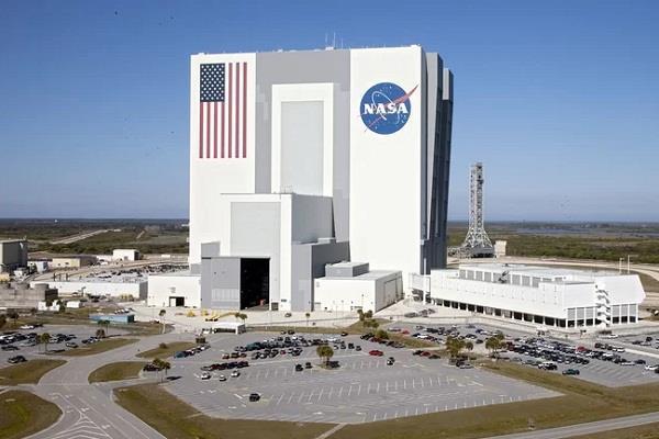 नासा ने अपने चंद्र मिशन को किया स्थगित