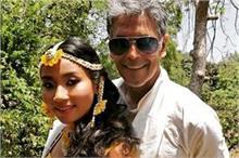 मिलिंद-अंकिता की शादी की रस्में हुई शुरू, हल्दी सेरेमनी पर...