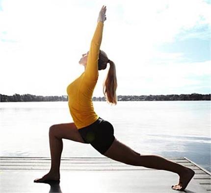 जलन से लेकर कम रोशनी तक, आंखों की हर प्रॉब्लम दूर करते हैं ये 5 योगासन