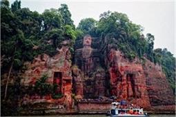 चीन में है दुनिया की सबसे बड़ी बुद्ध प्रतिमा, तैयार करने में लगे 90 साल