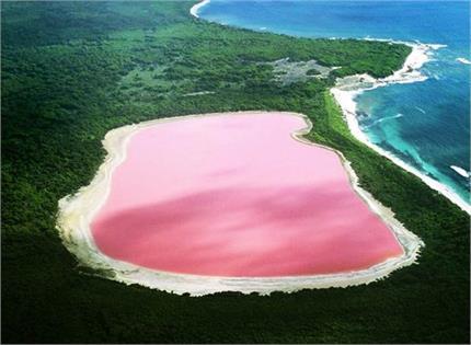 दुनिया की सबसे अनोखी 'गुलाबी झील', टूरिस्ट की लगी रहती है भीड़