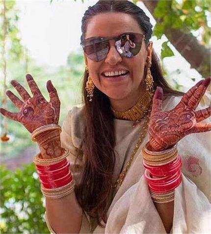 नेहा ने शेयर की 'चूड़ा सेरेमनी' की तस्वीरें, देसी लुक में दिखी बेहद...