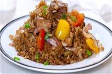 चावल और सब्जियां मिला कर बनाएं Stir Fry Tofu