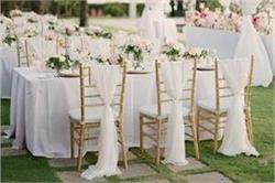 Wedding Decor Ideas:  खास तरीके से करें कुर्सियों की डैकोरेशन